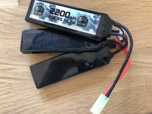 LIPO 11.1 BUTTERFLY STICK - 2200 MAH - VELUWE AIRSOFT-0